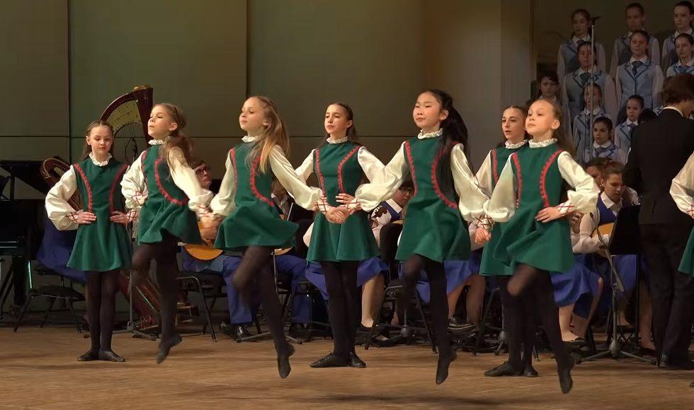 dance, talent, kids, boys, girls, music, tradition, impressive, performance, dancers, musicians, instruments, amazing, harmony, piece, crowd, show, stage