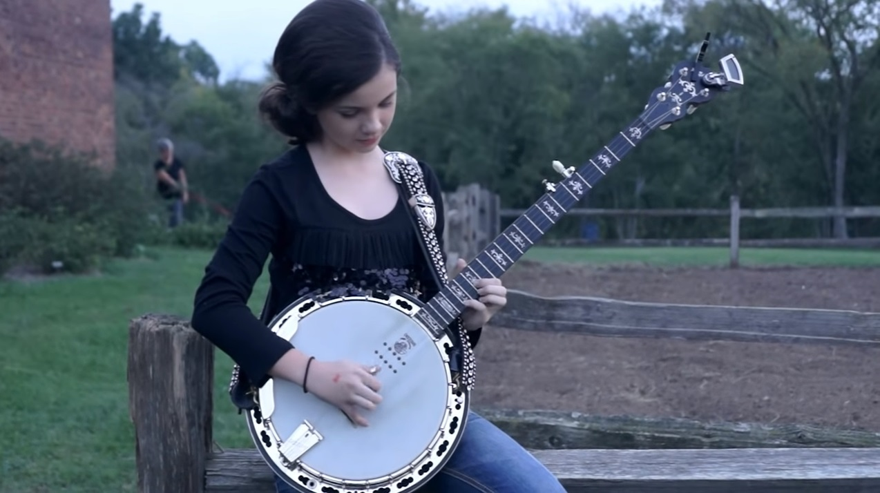 talent, gifted, music, banjo, Willow Osborne, song, singer, artist, musician, performer, amazing, beautiful, voice, young, girl, marvellous,
