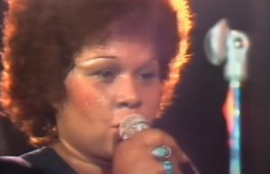 music, talent, singer, performer, Etta, James, stage, crowd, audience, live, amazing, beautiful, soothing, voice, inredible,
